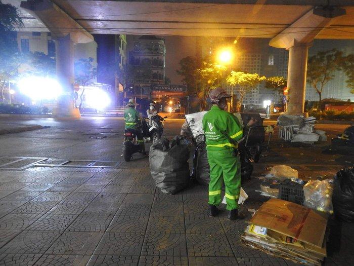Từ vụ nữ lao công bị sát hại: Cách nào bảo vệ an toàn lao động của công nhân vệ sinh môi trường? - Ảnh 1.