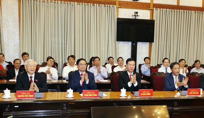 Trao quyết định phân công Trưởng ban Tổ chức TƯ Trương Thị Mai và Trưởng ban Dân vận TƯ Bùi Thị Minh Hoài - Ảnh 1.