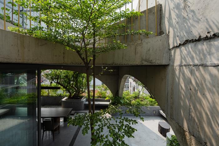 Căn nhà lãng mạn ngập tràn cây xanh - Ảnh 2.