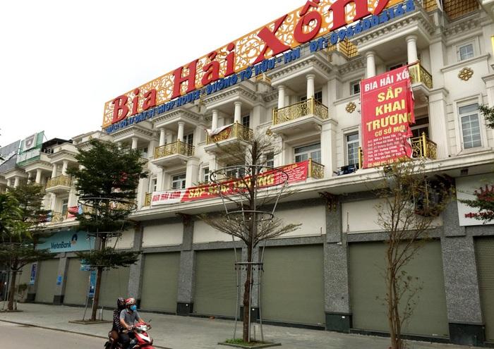 Hà Nội: Giải tỏa chợ cóc, đóng cửa quán bia để phòng chống dịch Covid-19 - Ảnh 1.