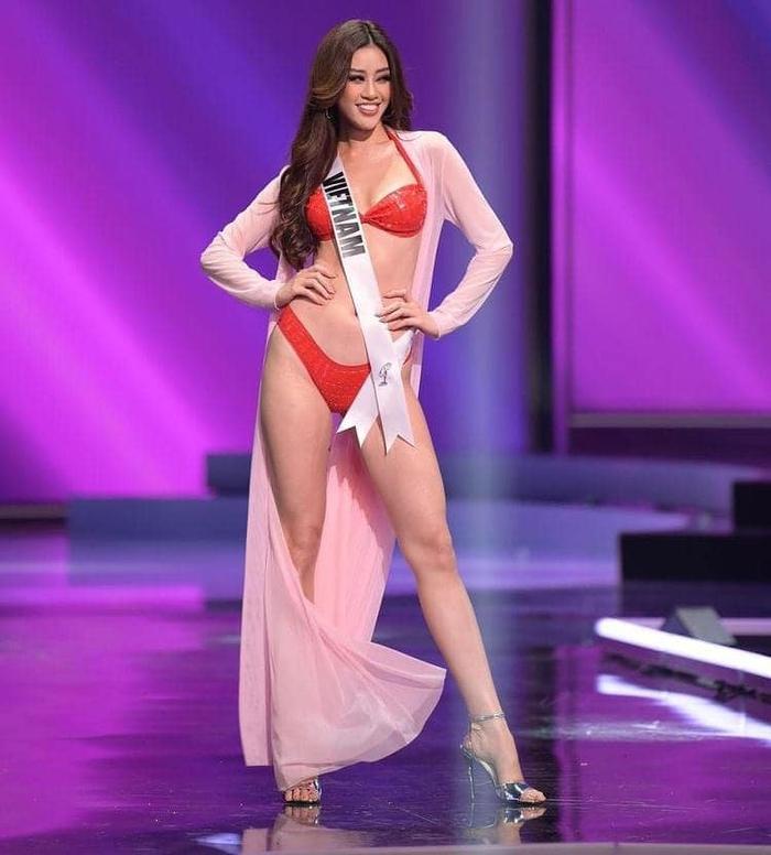 Khánh Vân nổi bật với 3 gam màu rực rỡ trong đêm thi Bán kết Miss Universe - Ảnh 4.