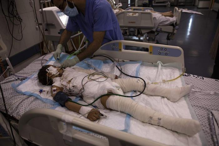Hơn 70 phụ nữ và trẻ em tại Gaza bị thiệt mạng vì không kích - Ảnh 3.