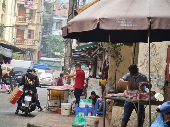 Thịt lợn giảm giá tới 30.000 đồng/kg - Ảnh 1.