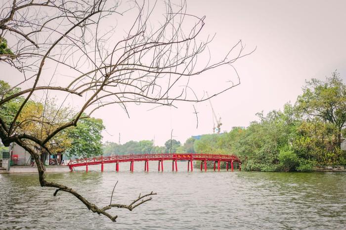 Ngắm vẻ đẹp bình lặng của phố phường Hà Nội những ngày dịch Covid-19 bùng phát - Ảnh 5.