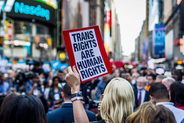 Chống phân biệt đối xử, kỳ thị với cộng đồng LGBT - Ảnh 2.