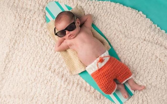 Chăm sóc trẻ sơ sinh vào mùa hè, phụ huynh thường gặp phải sai lầm nào?