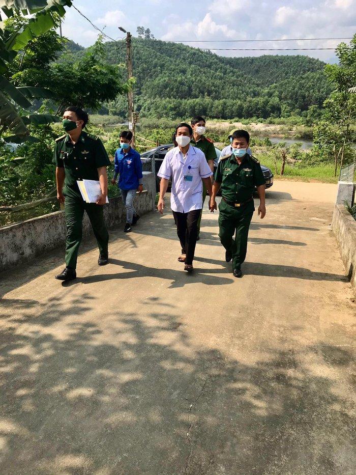 Bộ đội biên phòng siết chặt công tác phòng chống dịch ở biên giới Việt – Lào, bảo vệ thành công ngày bầu cử  - Ảnh 2.