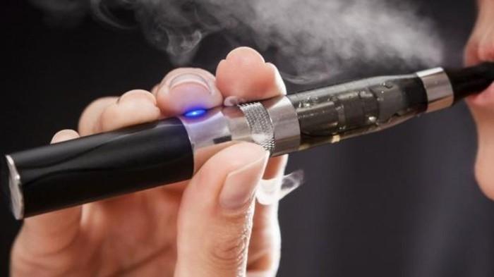 """Ngày Thế giới không thuốc lá 31/5: Thuốc lá điện tử """"tấn công"""" phụ nữ và trẻ em - Ảnh 2."""