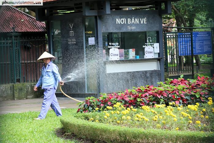 Các di tích nổi tiếng ở Hà Nội đồng loạt đóng cửa để phòng chống Covid-19 - Ảnh 4.