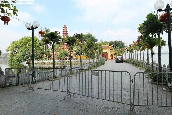 Các di tích nổi tiếng ở Hà Nội đồng loạt đóng cửa để phòng chống Covid-19 - Ảnh 9.