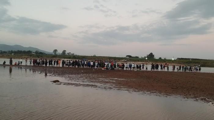 Hai học sinh bị đuối nước tại hồ Trị An - Ảnh 1.