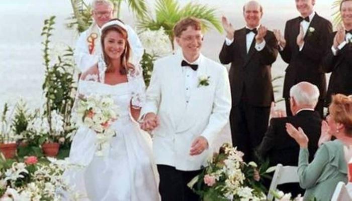 Nhìn lại hành trình 27 năm bên nhau của vợ chồng tỷ phú Bill - Melinda Gates - Ảnh 1.