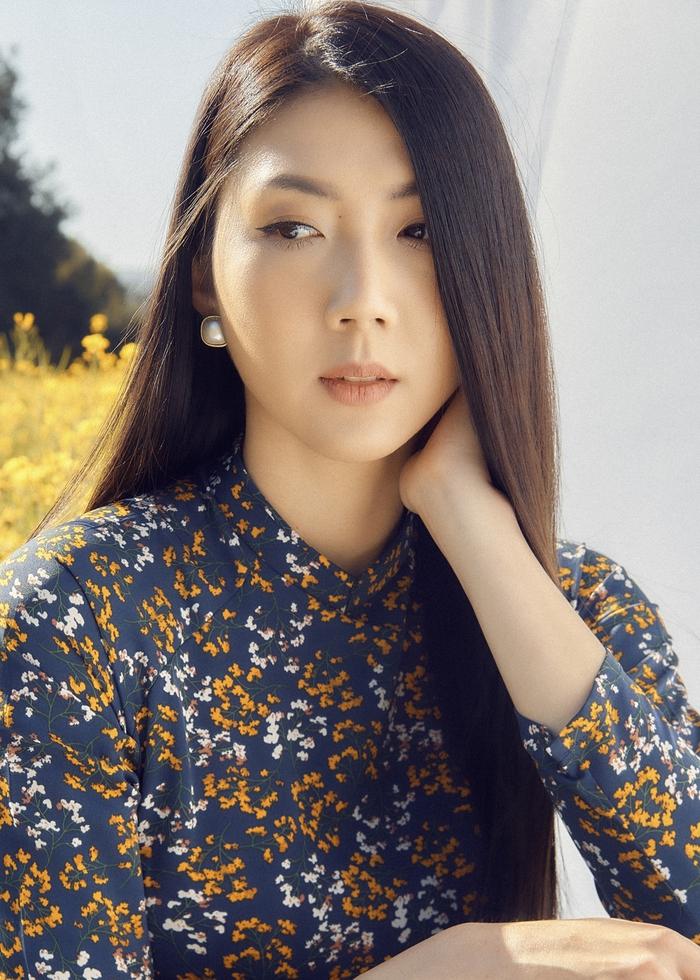 Ngọc Quyên khoe bộ sưu tập áo dài trên tạp chí thời trang danh tiếng của Mỹ - Ảnh 2.