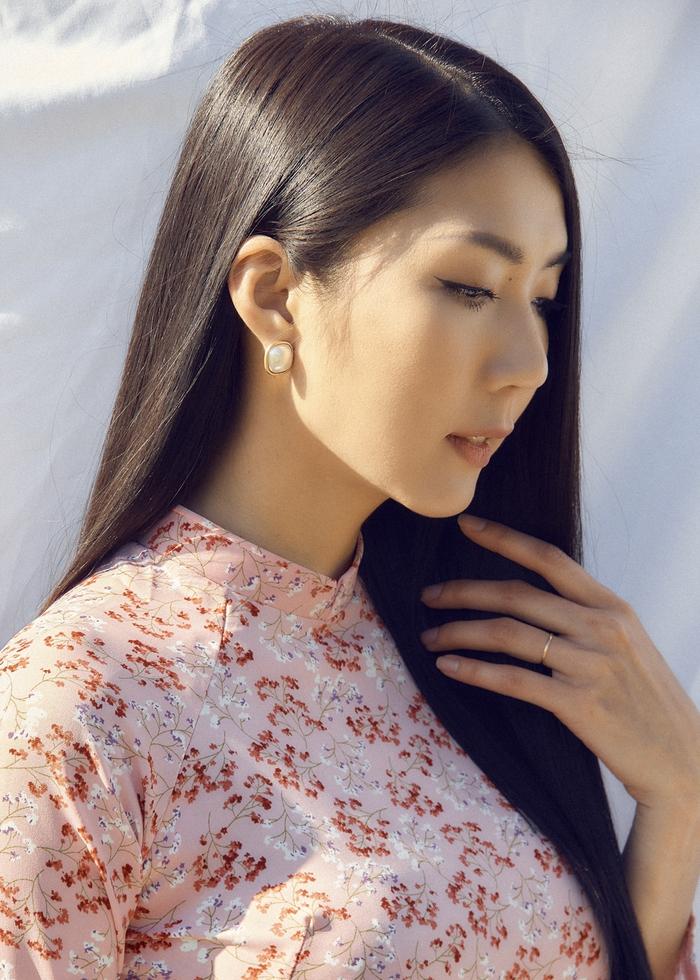 Ngọc Quyên khoe bộ sưu tập áo dài trên tạp chí thời trang danh tiếng của Mỹ - Ảnh 5.