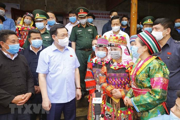 Chủ tịch Quốc hội ấn tượng với tỷ lệ nữ ứng viên đại biểu Quốc hội tỉnh Hà Giang - Ảnh 1.