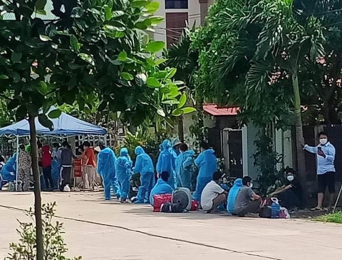 Hưng Yên: Thực hiện giãn cách xã hội toàn bộ 2 xã của huyện Khoái Châu - Ảnh 1.