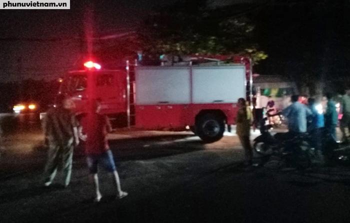 Cháy nhà tại TPHCM khiến 8 người chết: Cơ quan chức năng bảo vệ hiện trường để điều tra làm rõ nguyên nhân - Ảnh 1.