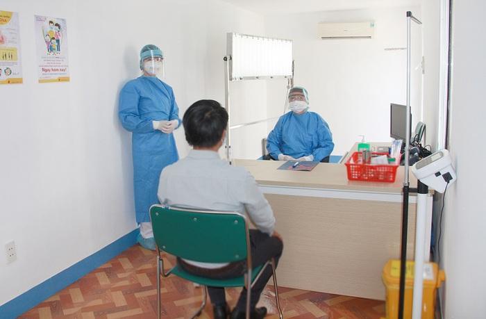 TPHCM: Các bệnh viện siết chặt công tác phòng chống dịch Covid-19 - Ảnh 2.