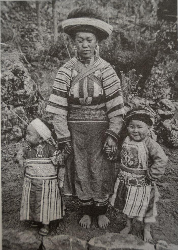 Trẻ em các vùng miền Việt Nam cách nay hơn 100 năm - Ảnh 13.
