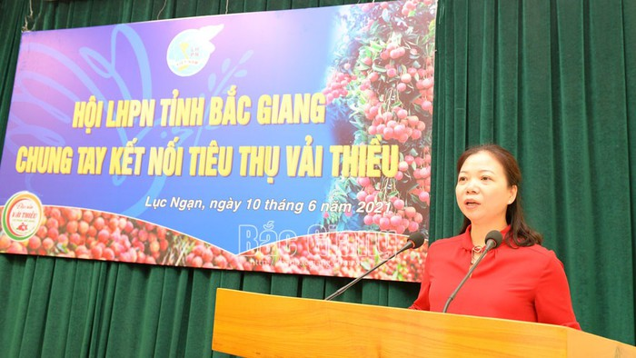 Phụ nữ Bắc Giang chung tay kết nối tiêu thụ vải thiều - Ảnh 2.