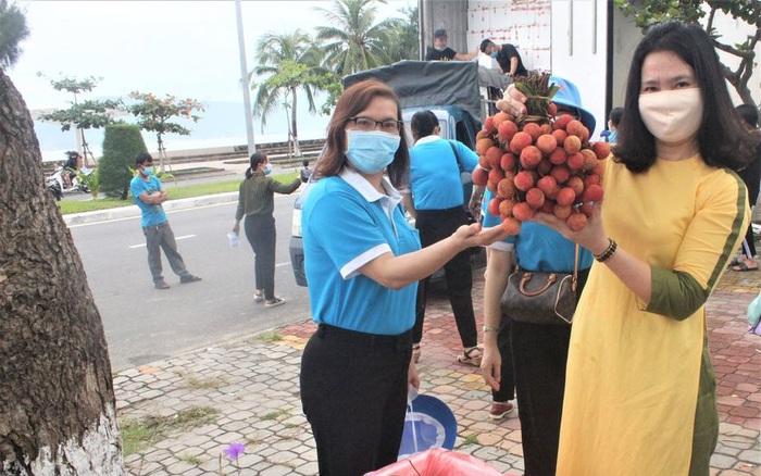 Hội LHPN Đà Nẵng hỗ trợ tiêu thụ hơn 10 tấn vải thiều Bắc Giang
