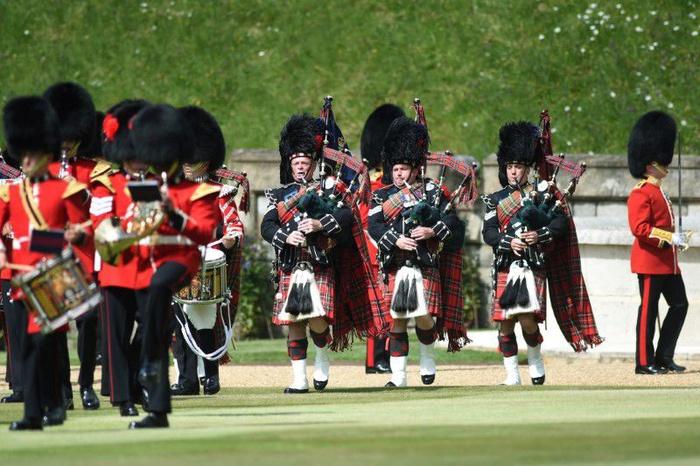 Lễ diễu binh mừng sinh nhật lần thứ 95 của nữ hoàng Anh Elizabeth II - Ảnh 9.