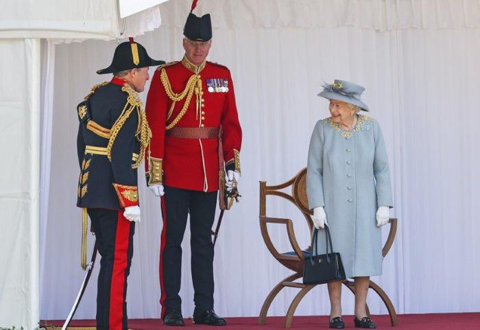 Lễ diễu binh mừng sinh nhật lần thứ 95 của nữ hoàng Anh Elizabeth II - Ảnh 8.