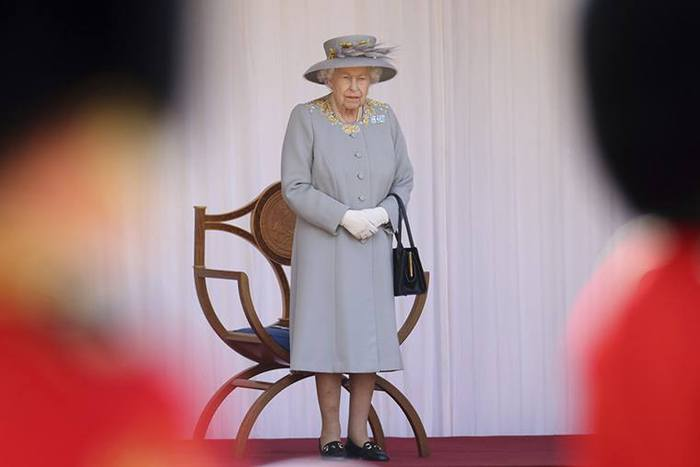 Lễ diễu binh mừng sinh nhật lần thứ 95 của nữ hoàng Anh Elizabeth II - Ảnh 2.