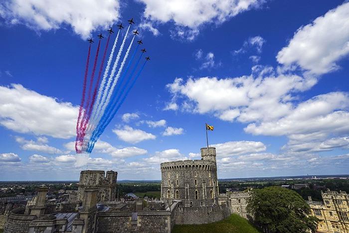 Lễ diễu binh mừng sinh nhật lần thứ 95 của nữ hoàng Anh Elizabeth II - Ảnh 10.