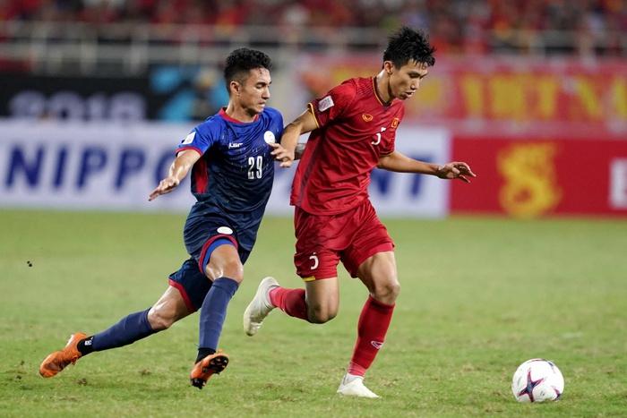 """Bố Quang Hải, Văn Hậu dặn dò con trai điều gì trước trận """"sinh tử"""" với UAE - Ảnh 1."""