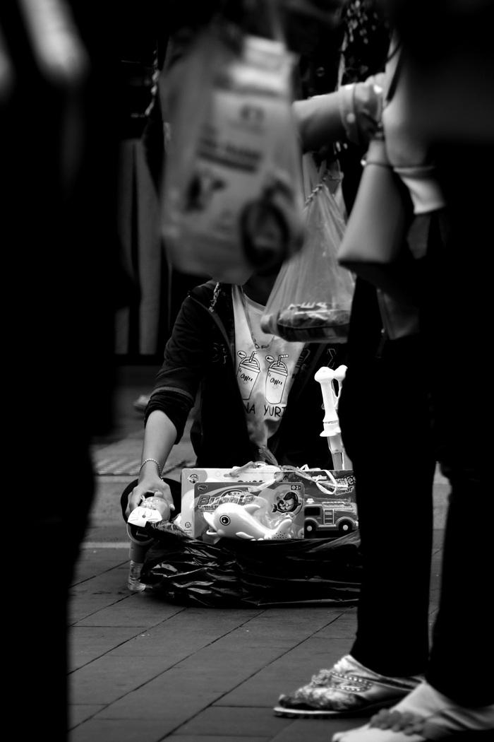 Sài Gòn, phố và người những ngày giãn cách - Ảnh 13.