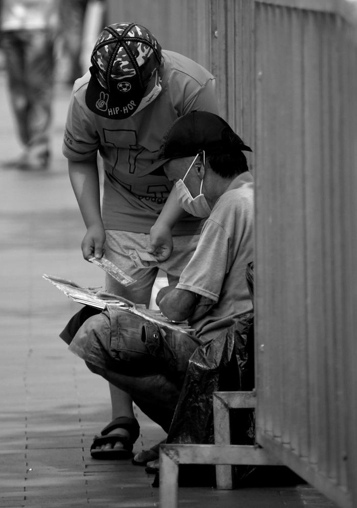 Sài Gòn, phố và người những ngày giãn cách - Ảnh 1.