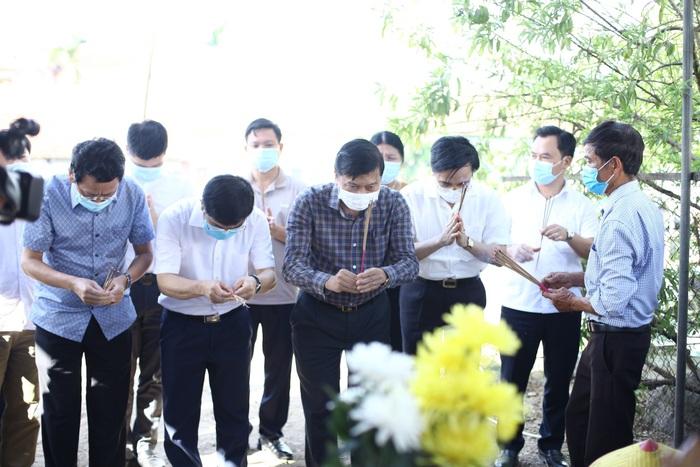 Vụ cháy phòng trà 6 người tử vong ở Nghệ An: Nỗi đau quặn thắt người ở lại - Ảnh 6.