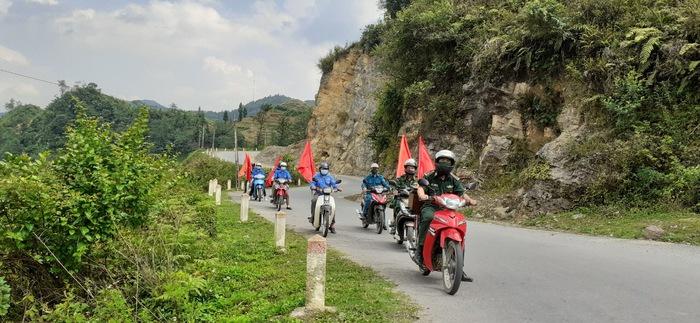 Đồn Biên phòng Lũng Cú: Phối hợp với các xã biên giới đẩy mạnh bảo vệ đường biên, cột mốc   - Ảnh 2.