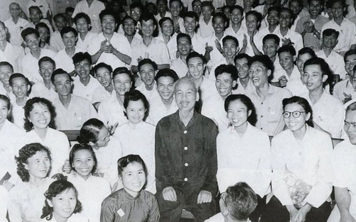 Lời dặn của Bác với các nữ học viên lớp báo chí kháng chiến đầu tiên