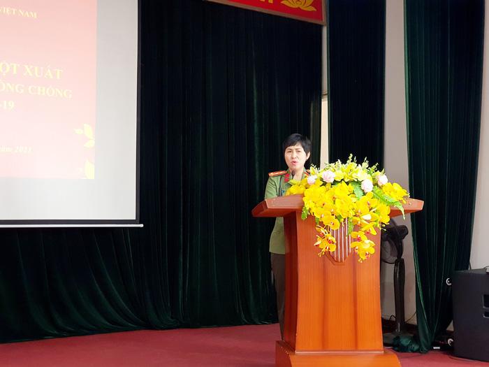 """""""Áo chống sốc nhiệt"""" của bệnh viện Y học cổ truyền nhận bằng khen của Hội LHPN Việt Nam  - Ảnh 1."""
