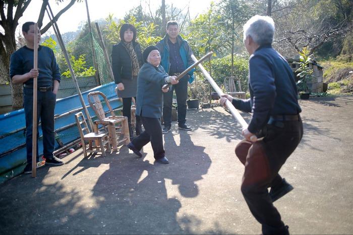 Trung Quốc: Bà cụ 98 tuổi cả đời hết mình vì võ thuật - Ảnh 1.
