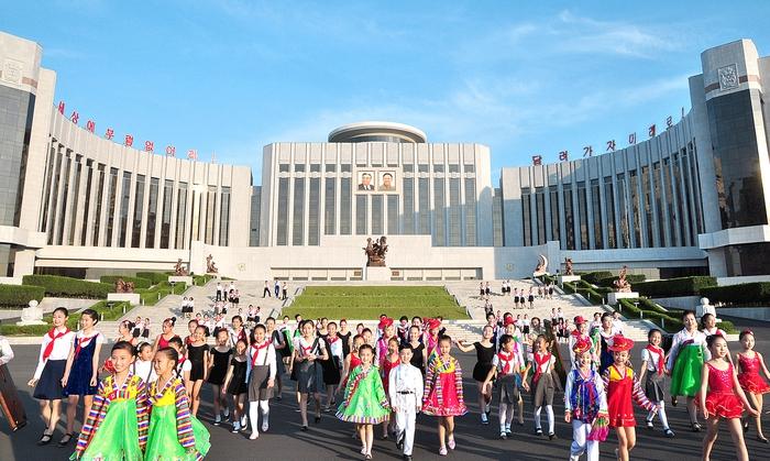 Triều Tiên: Giáo dục miễn phí từ mầm non đến sau đại học - Ảnh 3.