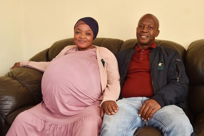 Nam Phi: Một phụ nữ tuyên bố lập kỷ lục sinh 10 - Ảnh 1.