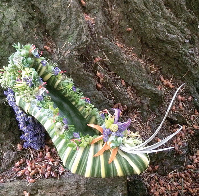 """""""Bản hòa tấu"""" của lá và hoa... trên giày cao gót - Ảnh 2."""