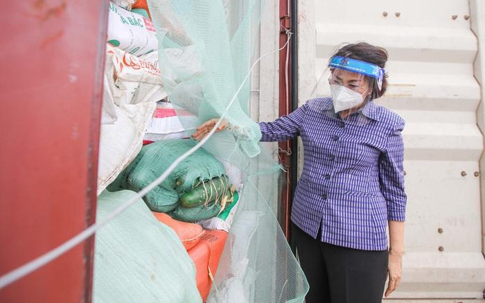 Nghệ An gửi gần 300 tấn nhu yếu phẩm hỗ trợ TPHCM phòng chống dịch Covid-19