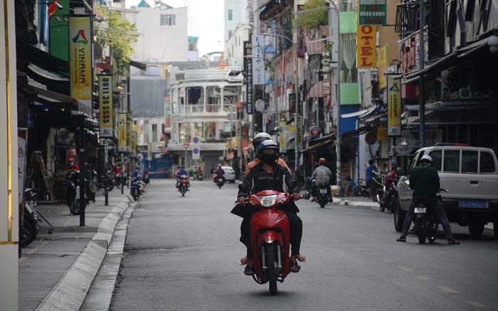 TPHCM tăng cường Chỉ thị 16: Người dân không ra khỏi nhà, siết chặt hoạt động doanh nghiệp