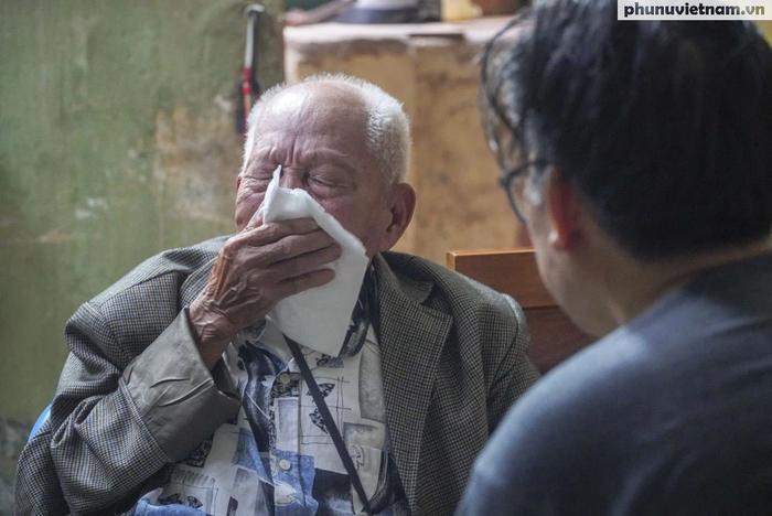 """Lần gặp mặt cuối cùng giữa """"Hùng xám đường số 4"""" 101 tuổi với nhà văn Sơn Tùng - Ảnh 11."""