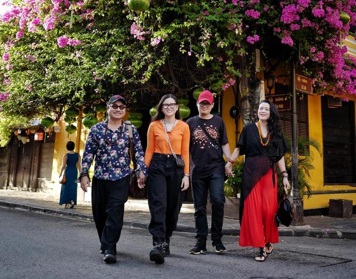 Một khoảnh khắc bên nhau của gia đình nghệ sĩ Trần Mạnh Tuấn