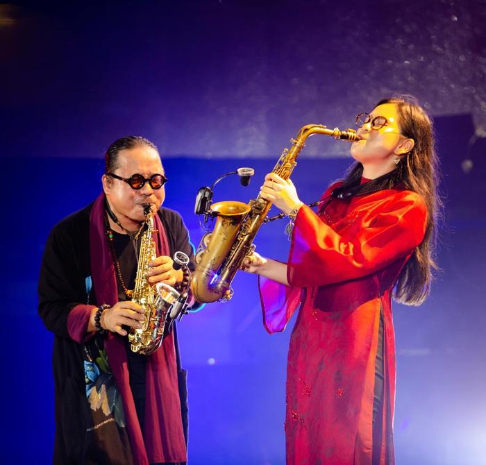 Trần Mạnh Tuấn trình diễn cùng con gái An Trần, một tài năng hứa hẹn tiếp nối sự nghiệp âm nhạc của cha