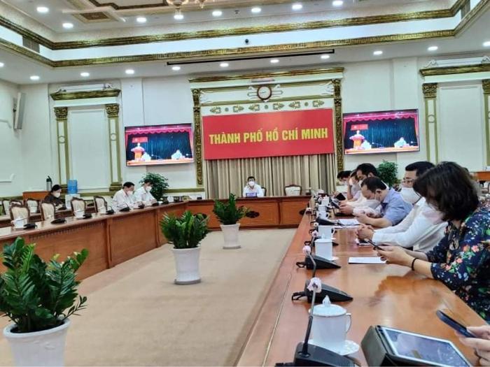 Bộ Y tế khẩn cấp thiết lập 3 Trung tâm hồi sức tại TP. Hồ Chí Minh - Ảnh 1.