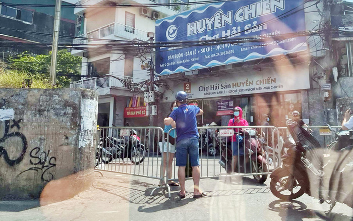 Hà Nội: Phong tỏa phường Chương Dương do có dân quân ở chốt dương tính với Covid-19