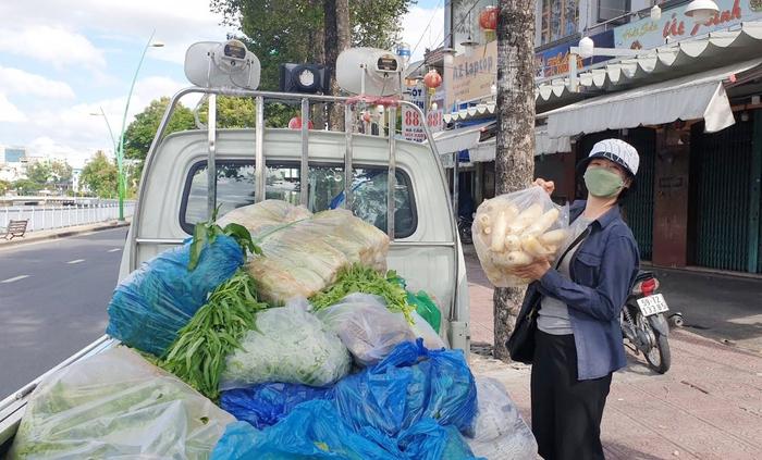 TPHCM: Phụ nữ quận 3 dốc lòng vì người dân trong mùa dịch - Ảnh 3.