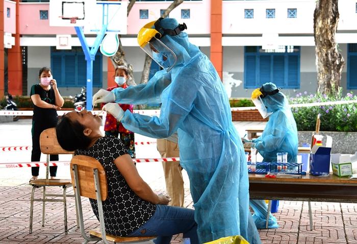 Thứ trưởng Bộ Y tế: Bà Rịa - Vũng Tàu đang ở tình trạng nguy cơ rất cao   - Ảnh 1.