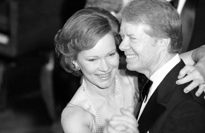 """Cuộc hôn nhân """"không tuổi"""" của cựu tổng thống Jimmy Carter và vợ qua gần 8 thập kỷ - Ảnh 8."""